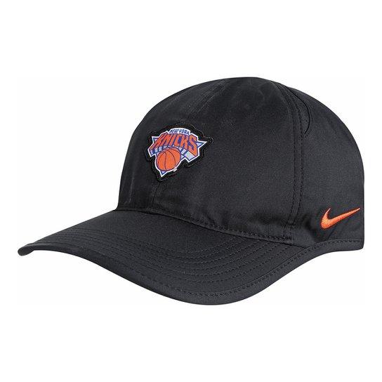 Boné NBA New York Knicks Nike Aba Curva Featherlight - Preto+Laranja 7e4fa1dd754