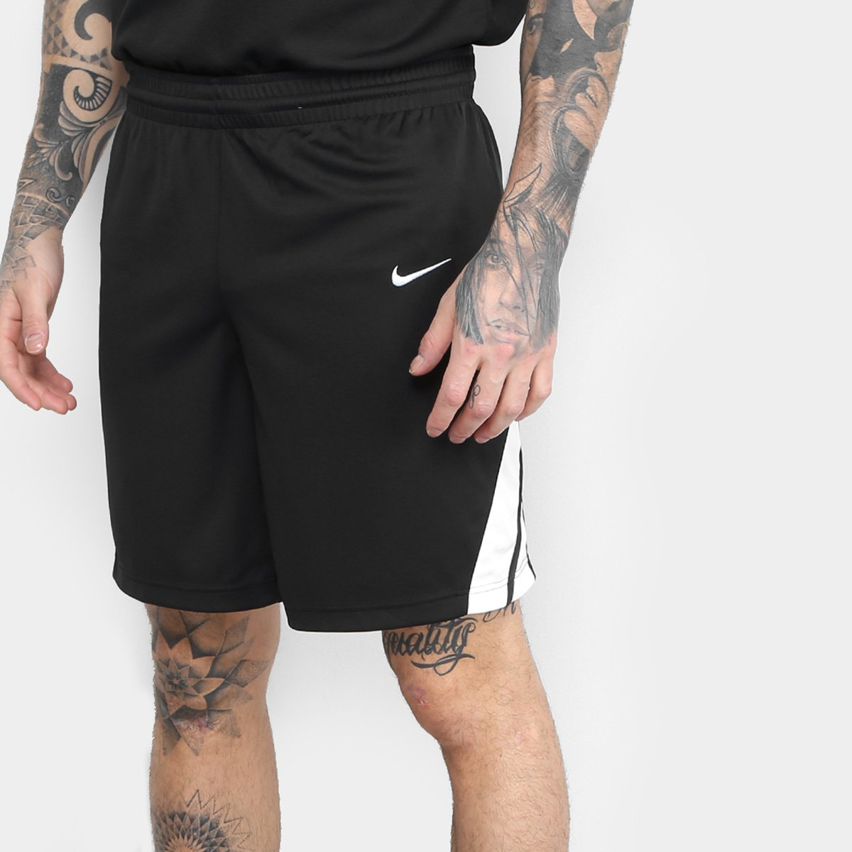 9879c38b26 Bermuda Nike Dri-Fit STK Masculina - Preto e Branco - Compre Agora ...