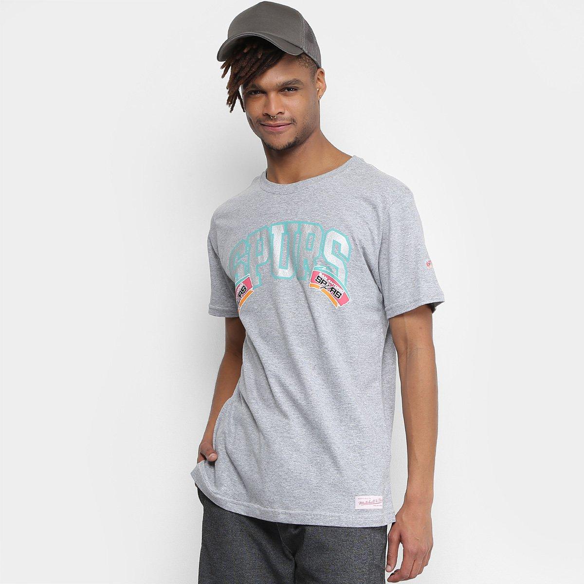 Camiseta Mitchell   Ness NBA San Antonio Spurs Team Arch Masculina ... 587566dc2255e