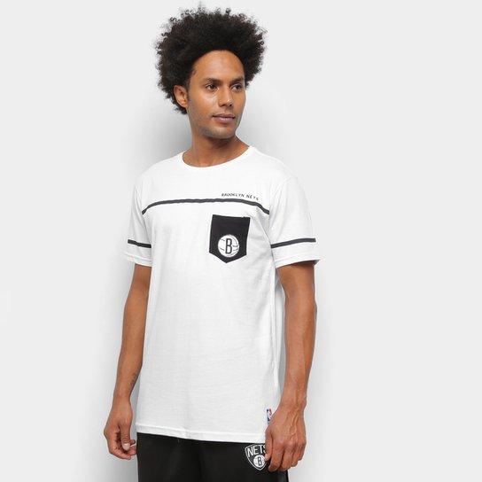 Camiseta NBA Brooklyn Nets Estampa Pock Masculina - Branco