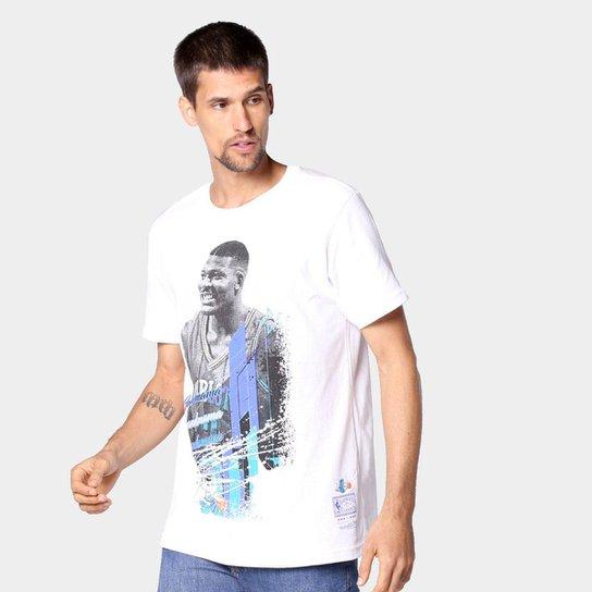 Camiseta NBA Charlotte Hornets Larry Johnson Mitchell & Ness Masculina - Branco