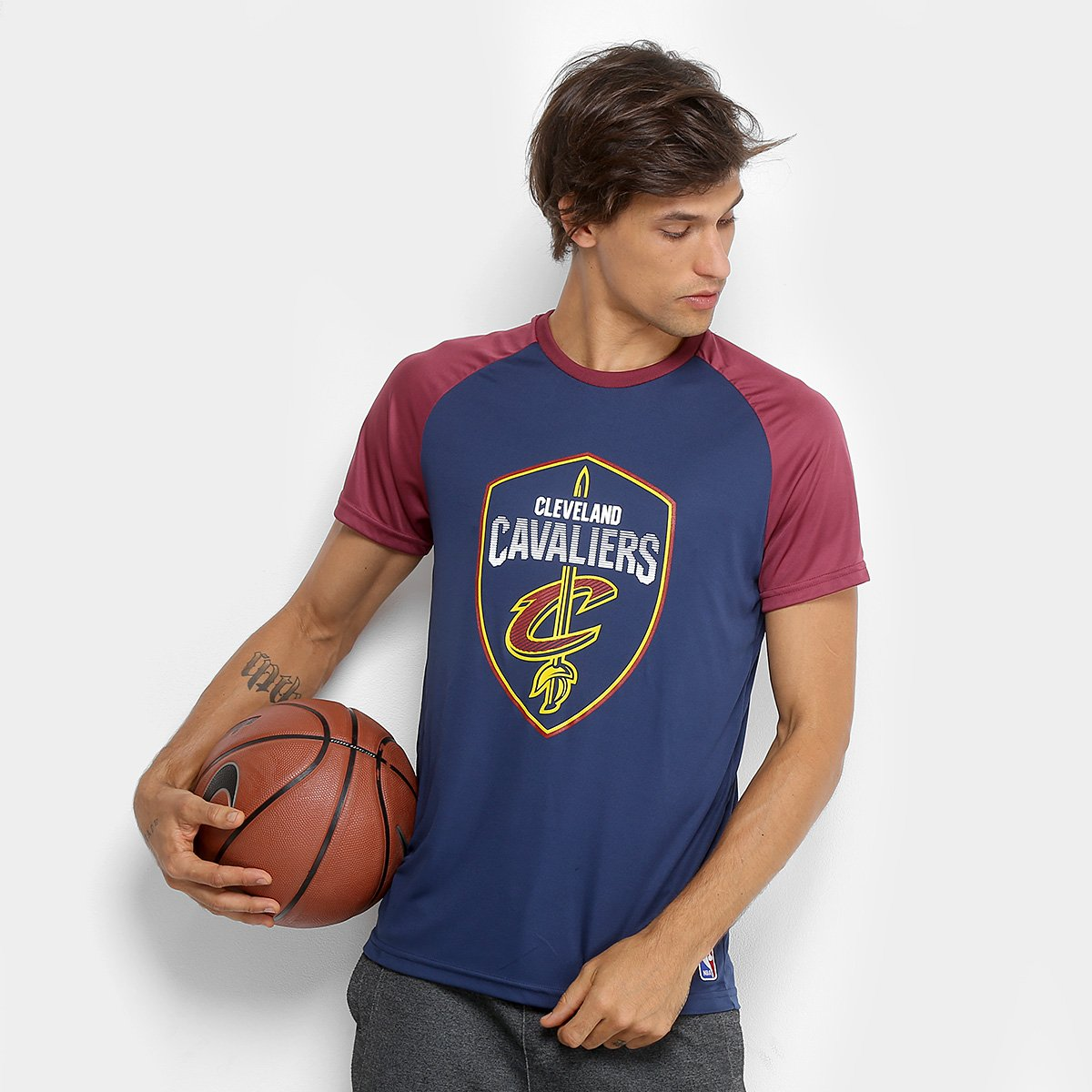 Camiseta NBA Cleveland Cavaliers Masculina - Bordô - Compre Agora ... 01af098d552c1